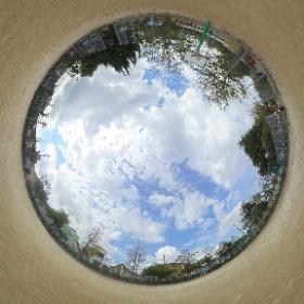 江戸川区 小岩公園のバスケットコート 子供用ゴール付近で撮影