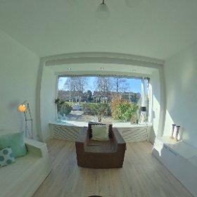 Sneak preview: gerenoveerde eengezinswoning met 5 slaapkamers, garage, voor en achtertuin. Volgende week te koop op cityagency.nl #theta360