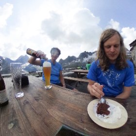 Sustlihütte - enjoy the view with great drink and cakes