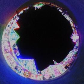 ★東京ドイツ村★ウインターイルミネーション開催中!! 今年のテーマは、『メ☆ル☆ヘ☆ン~ときめきスマイル~』 300万球に輝きがアップした、 『音と光のショー』『3Dイルミネーション』『全長約70mの虹のトンネル』 ドイツのお城をイメージしたゲートをくぐりぬけるとおとぎ話の世界が広がります♪ さぁ、光の世界へお出かけください(^^♪