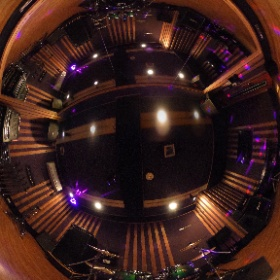 SOUND STUDIO NOAH池袋店 【B1st】14畳 (LED常設) URL→http://ikebukuro.studionoah.jp/ TEL→03-5951-8400