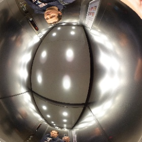 Making photo where common camera will not work at all - in the lift #theta360