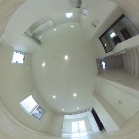 那珂川町ベージュタイルの家 リビング  階段前 愛犬にもやさしい家できました♪ #theta360
