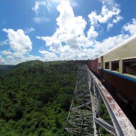 Mit der Bahn unterwegs in Myanmar.... #theta360 #theta360de