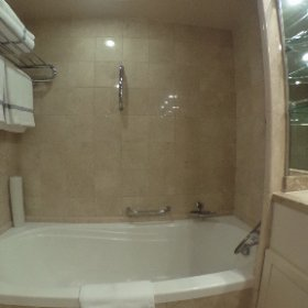 Fantastic bathroom of our suite aboard #regency #seven #seas #voyager during our 14 day #Singapore to #Singapore #cruise #regentcruises #Travelfoodiestv #theta360
