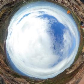 朝日岳山頂からの全天球画像(色補正板)。周りに何もないので展望が素晴らしく良い。 #theta360