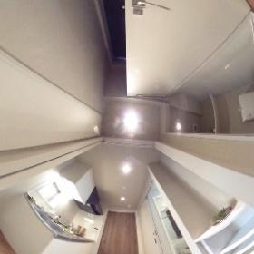ミュージション溝の口401トイレ、廊下 #theta360