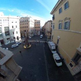 Roma, via Condotti , Piazza di Spagna