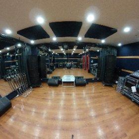 サウンドスタジオノア秋葉原店のCst(24帖)大人数のリハにも対応できるスタジオです! #studionoah #秋葉原 #バンド #リハーサル #24時間 #theta360