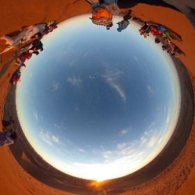 On se croirait (presque) à la dune du Pyla. Désert Marocain M'hamid. #theta360 #theta360fr