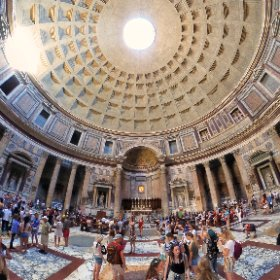 Under the oculus of the Pantheon in Rome. #theta360 #theta360fr