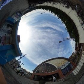 京浜急行新逗子駅の南口改札@逗子  ドイツ式カイロプラクティック逗子整体院 www,zushi-seitai.com  #theta360