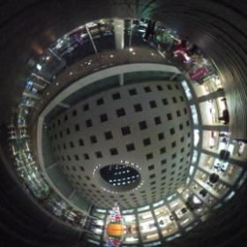 川崎のソリッドスクウェアです。なかなか贅沢なツクリ。