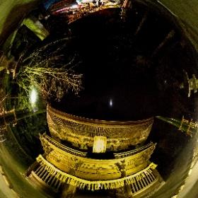 この360度写真は、2021年元旦の夜の法多山の仁王門の様子であります。THETA Vで撮影。 #theta360