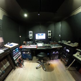 Studio OOMZ #music #production #gear #slut #theta360