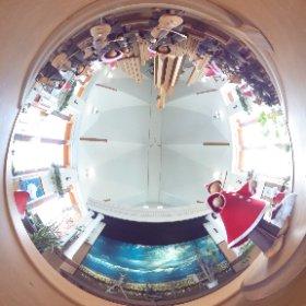 年末の挨拶回りの途中で寄らせていただいた、西興部村上興部の道の駅「花夢」の全天球カメラ撮りです。^_−☆