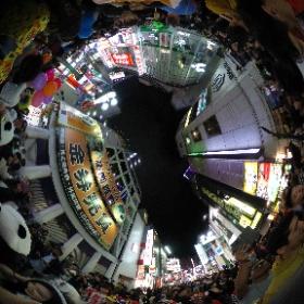 20181027 #渋谷ハロウィン #全天球パノラマ 3 #渋谷センター街 に入ってみたら⋯ 身動きとれないくらいの⋯ #theta360