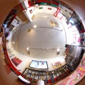 そして今度こそはのカフェ・ド・スタールのめぐっちゃん席からの風景(THETAで撮影)。 #theta360