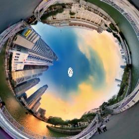 Cavenagh Bridge (Singapore) - www.ansonchew.com #ansonchew #anson360 #CavenaghBridge #bridge #Cavenagh #sunset #fullertonhotel #fullerton #hotel #singapore #theta360