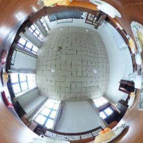 「けいおん!」の舞台の旧豊郷小学校。軽音部の部室。