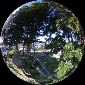 新潟市の日和山五合目カフェ屋上からシータV。 目の前に住吉神社。 ここ、すごくいいとこでした。店内も立地も! しかも珈琲は堀口。 #新潟 #日和山五合目カフェ #theta360