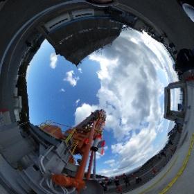 1月11日打上予定の観測ロケットベースSS-520 4号機です 3kg超小型衛星を軌道に上げます。全長9.5m 直径520mm 重量2.6トン3段式ロケット。 #nvslive #ss520 #theta360