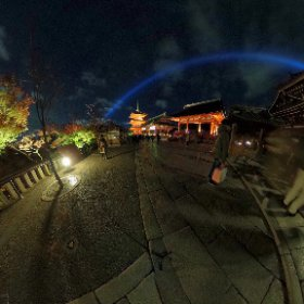 清水寺の夜間拝観に来たよ٩( 'ω' )و 夜景撮影がんばる
