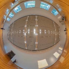 「作品のない展示室」@世田谷美術館 これは時勢を逆手に取った素晴らしい企画でありました。美術館という容れ物の中で容れ物の良さを感じ取れまシータ。 #theta360