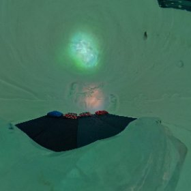 The 4 person Frozen-themed room at the Kirkenes Snowhotel! #theta360