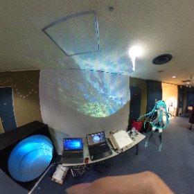 国際科学映像祭ドームフェスタのヒゲキタ& #ドームで上映会 のブース #miku360 #theta360