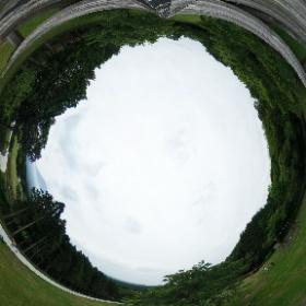 静岡にある、まかいの牧場にて。曇りでみはらしは悪かったが、娘氏は色々楽しめたようだ。 #theta360