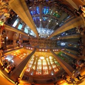 Sagrada Familia. Simply stunning. #theta360