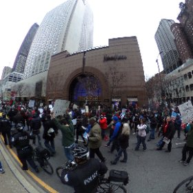 360 pano of protesters moving up Michigan past Superior