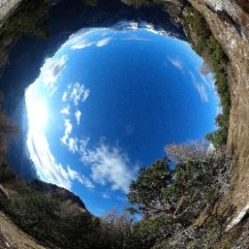I Śuoghe (2053 m), trincee e camminamenti austroungarici della Grande Guerra (a est de Ra Ciadénes e della Croda de r'Ancona) #theta360 #theta360it