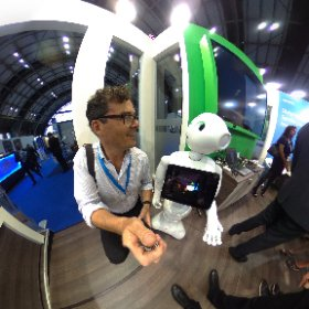 Loving my chat with Pepper at the Accentuate stand #Expo16NHS  #theta360