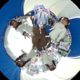 今日もレーシングミクサポーターズ @22tuttu さん @kelal0808 さん @suzuna_0225 さん @manae_miyakoshi さんとホワイティな感じで😆✌️✌️✌️  #fightgsr #miku360 #theta360