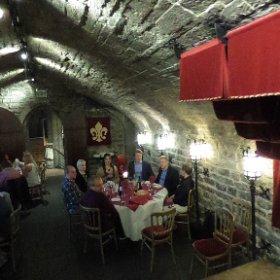 Erasmus+ Linnanjuhlilla Cardiff Castle illallisella ennen lentoa kotisuomeen.  #robotdance #klassikka #erasmus #theta360