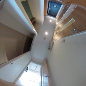 玄関からリビングへの廊下