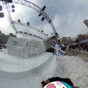 #雪ミク さん雪像にご挨拶❣️ #さっぽろ雪まつり まだまだ続きます✨ #miku360 ではこうやって近づいた方がくっきりと映りますね❄️