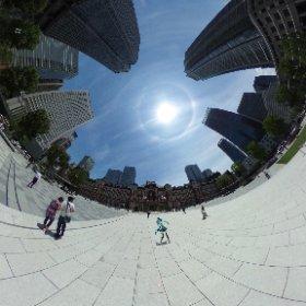 東京駅なう。めっちゃいい天気で日暈も出ててミクさんがご機嫌…! #miku360 #theta360