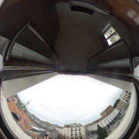 Proponiamo in locazione nella centralissima Piazza Monte Grappa, appartamenti trilocali e quadrilocali completamente arredati.  Per informazioni contatta l'agenzia Varese tel. (+39) 0332.23.83.03 e-mail: varese@ideacasa.it   #theta360