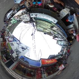 ファベーラ、ホシーニャの大通り。