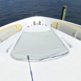 360 view 87' Oceanfast Forward Sun Pad. Lovethatyacht.com #theta360