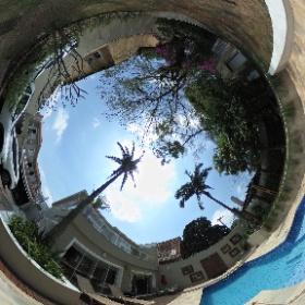 Sobrado, à Venda, 750 M² de Área de Terreno, Amplo quintal com Piscina, Garagem p/10 autos, Bairro Parque Petrópolis, ao lado do bairro Chácara Flora SP.