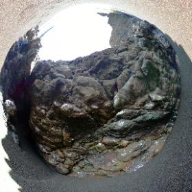 Pillow basalts at Black Sands Beach, Marin Headlands, CA #streetcar2subduction #theta360