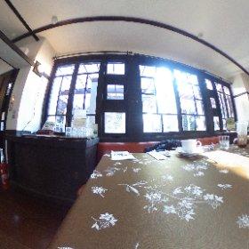 遠藤新 旧近藤邸(藤沢市) 他のお客さん隠したので暖炉を隠してしまう残念感