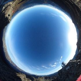 [絶景360]奥穂高岳  ほかにも、いろいろな絶景ポイントで撮影した 360°パノラマ写真(全天球写真)を公開しています。『事例s』サイトの「絶景360」(http://jilays.com/zek360-index)からご覧いただけます。