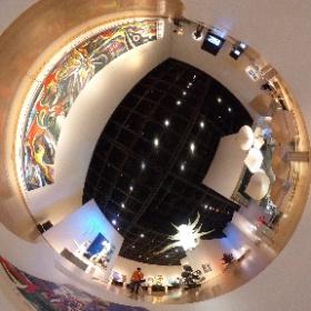 岡本太郎美術館では、太陽の塔リニューアル記念「街の中の岡本太郎 パブリックアートの世界」という企画展をやってました。これだけまとまると壮観だな。 #theta360