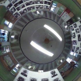 絵鞆小学校閉校式典2 2階実習棟ホールです。 モダンな天井をご覧ください(^^