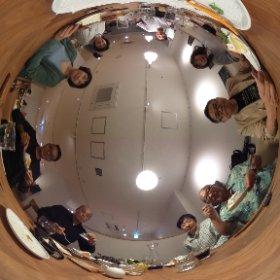 昨日は多摩ソーシャル・ライターズ倶楽部の5周年の集まりが、調布のカフェaonaで行なわれました。ケーキおいしかった!